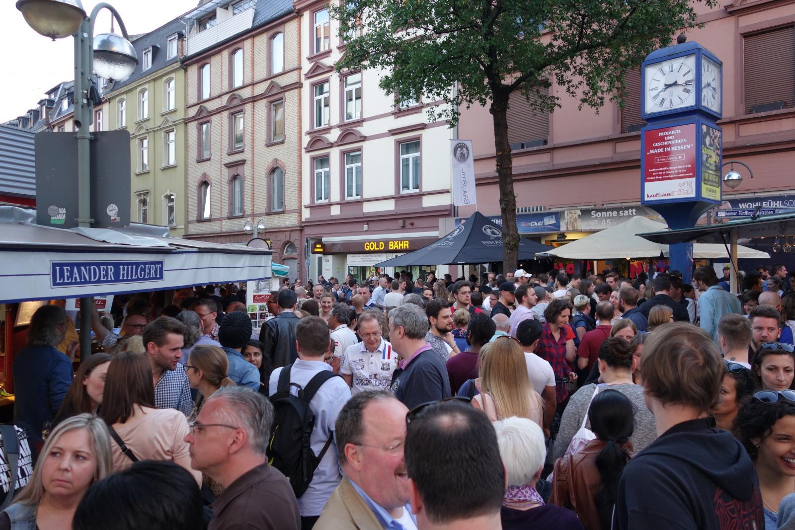Bornheimer Weinfest am Fünffingerplätzchen Frankfurt am Main